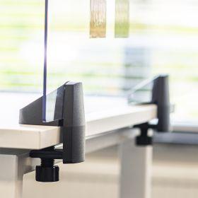Schreibtisch-Trennwand - Acrylglas-Schutzwand - 58x75cm - Einzeltisch - Klemmbar & koppelbar